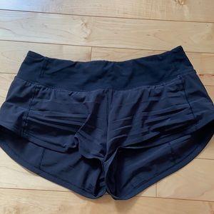 black lulu lemon speed up shorts